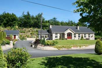 5 Bedrooms Property for sale in 94 Hillsborough Road, Dromore