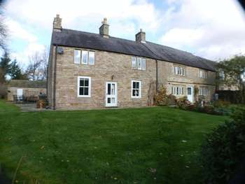 6 Bedrooms Detached House for sale in Marsh Hall Farm, Chapel en le Frith