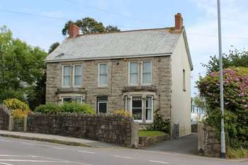 4 Bedrooms Detached House for sale in St. Austell Road, Par