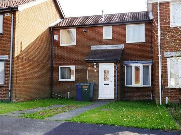 2 Bedrooms Terraced House for sale in Dereham Court, Newcastle upon Tyne, Tyne and Wear