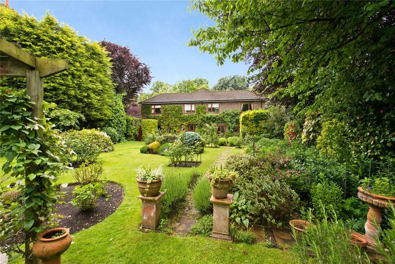 Detached House for sale in Parkside, Wimbledon Village, London, SW19
