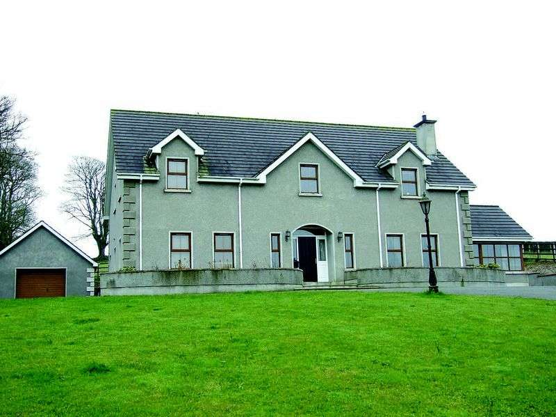 5 Bedrooms Detached House for sale in Drumbanagher Wall, Newry