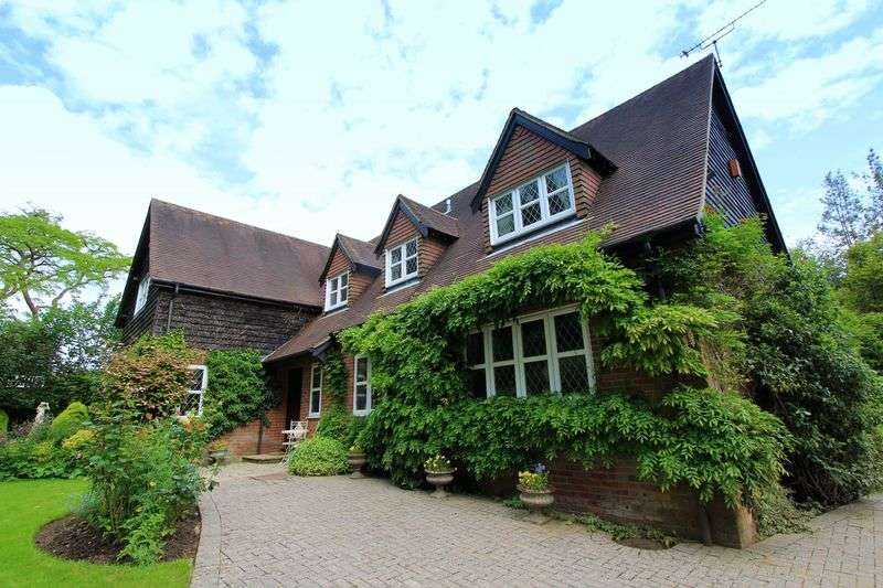 4 Bedrooms Detached House for sale in The Lee, Great Missenden