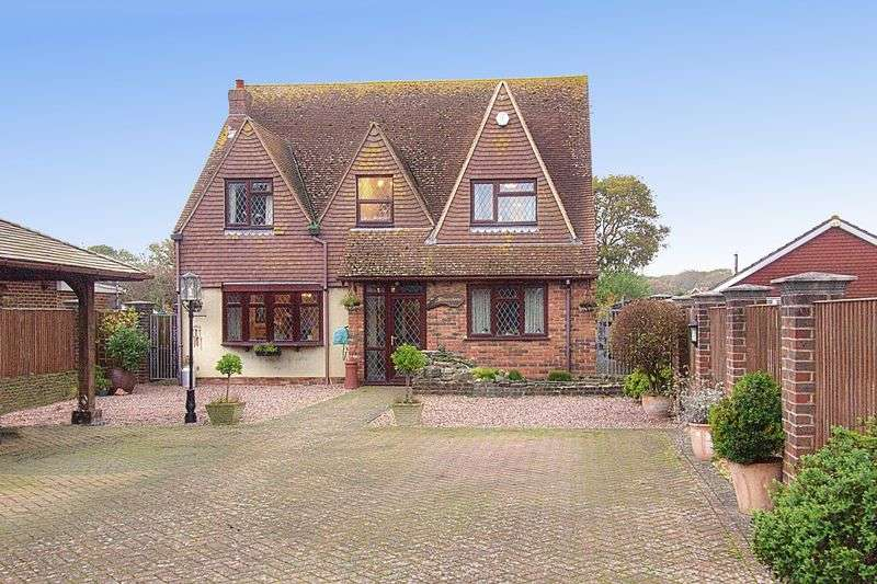 4 Bedrooms Detached House for sale in West Lane, Hayling Island PO11