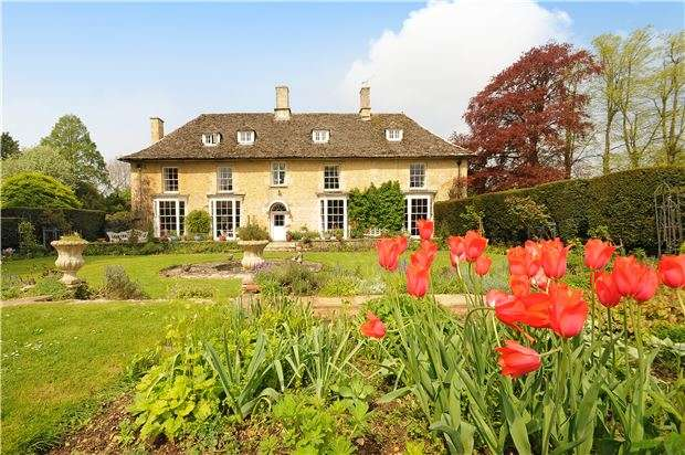 7 Bedrooms Property for sale in High Street,Kempsford,Fairford,Gloucestershire