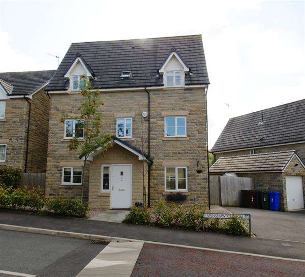 4 Bedrooms Detached House for sale in Earnshaw Clough, Mossley