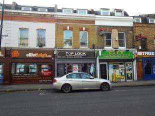 3 Bedrooms Flat for sale in London