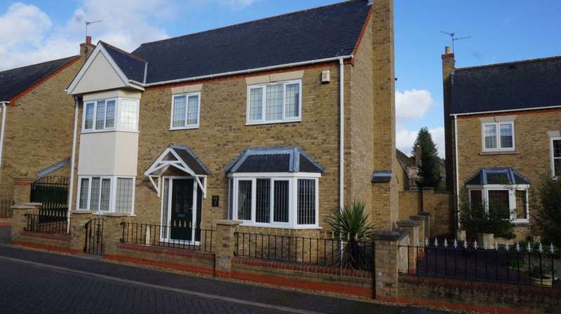 5 Bedrooms House for sale in Manor View, Whittlesey, PE7