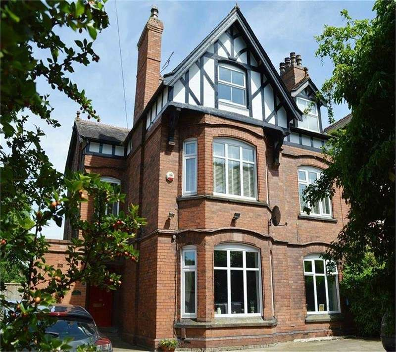 5 Bedrooms Semi Detached House for sale in Spital Road, Bromborough, Wirral, CH62 2AF
