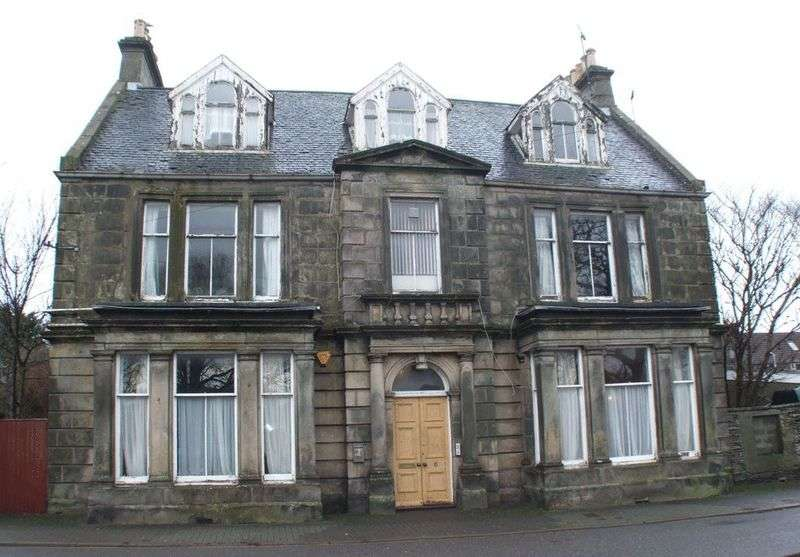4 Bedrooms Detached House for sale in 6 Janet Street, Thurso, Caithness, KW14 7AR