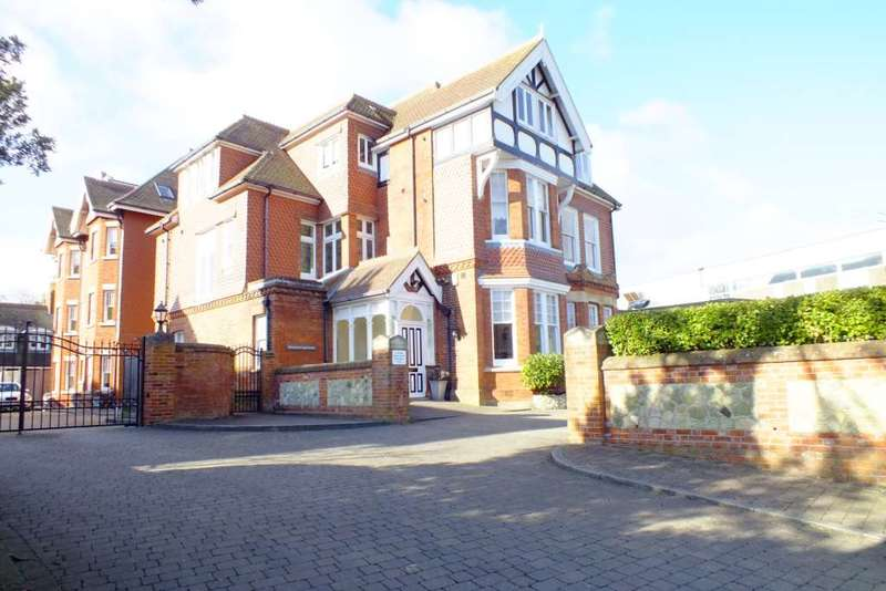 2 Bedrooms Flat for sale in Sunnymead, Gaudick Place, BN20 7RY