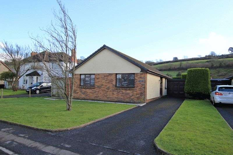 3 Bedrooms Detached Bungalow for sale in CARMARTHEN ROAD, FERRYSIDE