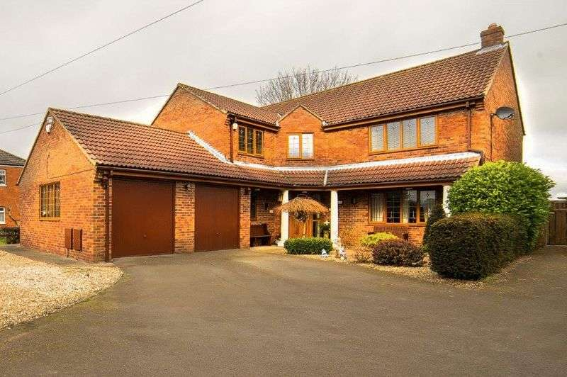 4 Bedrooms Detached House for sale in Ulceby Road, Wootton, Lincolnshire, DN39