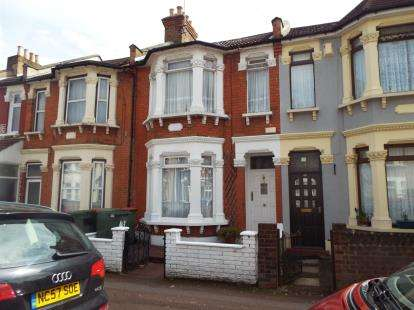 4 Bedrooms Terraced House for sale in East Ham