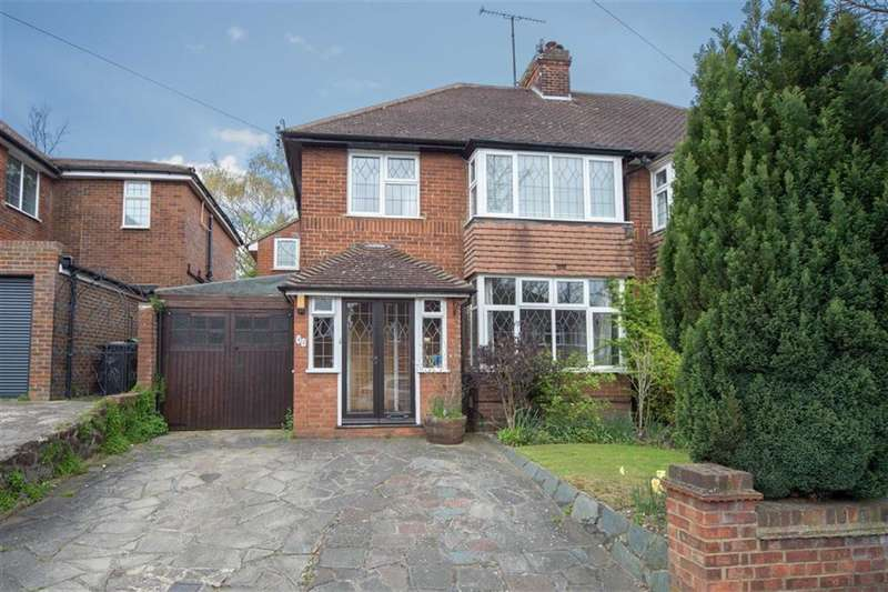 4 Bedrooms Property for sale in Manton Drive, Luton