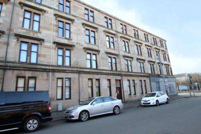 3 Bedrooms Flat for sale in Glendore Street, Whiteinch, Glasgow