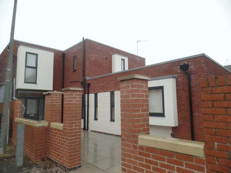 7 Bedrooms House for sale in 74 Townsend Street, Birkenhead - For Sale by Auction 2nd June 2016