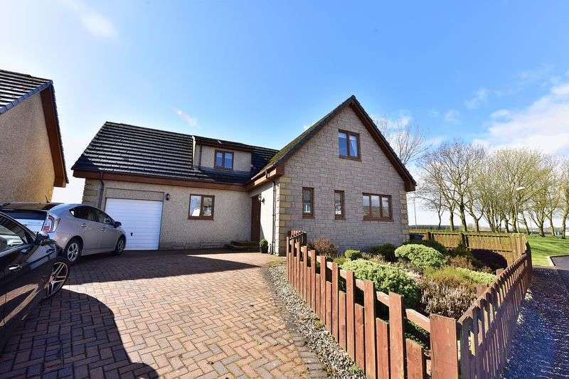 4 Bedrooms Detached House for sale in Dyke Brow, Greenrigg, ML7 5QR