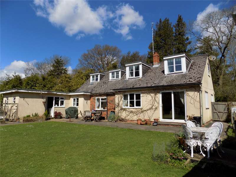 4 Bedrooms Detached House for sale in Petersfield Road, Monkwood, Alresford, Hampshire, SO24
