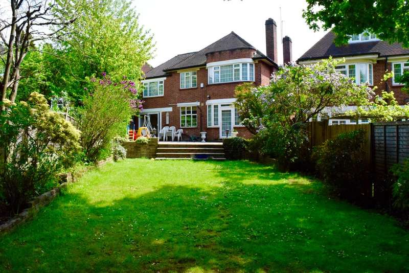 5 Bedrooms Detached House for sale in HIGHVIEW GARDENS, FINCHLEY, LONDON, N3