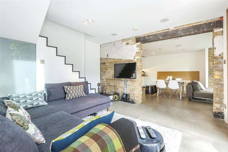 3 Bedrooms Semi Detached House for sale in Ashmead Mews, Ashmead Road, London, SE8