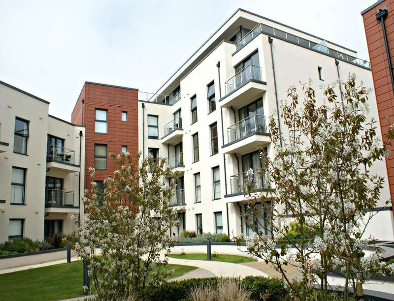 3 Bedrooms Flat for sale in Cawthorne House Dyke Road, Brighton, BN1
