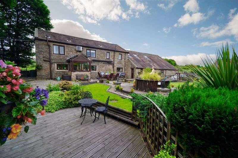 5 Bedrooms Detached House for sale in Ringlows Lane, Rochdale