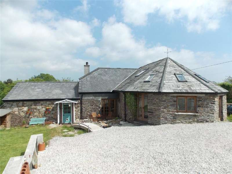 4 Bedrooms Detached House for sale in The Round House, Trekenner, Launceston