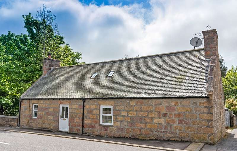 3 Bedrooms Detached House for sale in High Street, Archiestown, By Aberlour, Banffshire, AB38