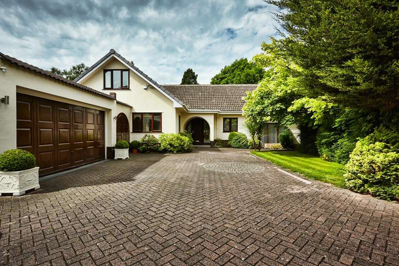 4 Bedrooms Property for sale in Oldway Drive, Solihull
