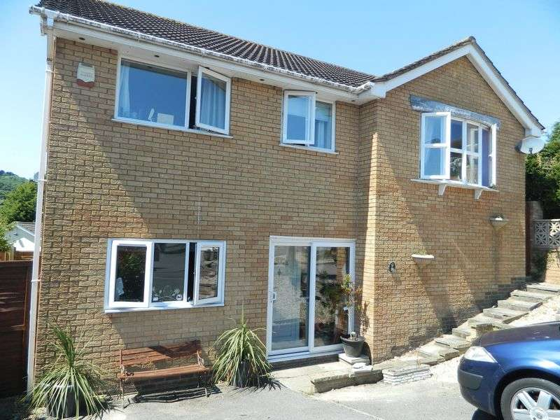 5 Bedrooms Detached House for sale in NORTH WORLE HILLSIDE