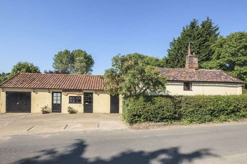 3 Bedrooms Cottage House for sale in Denton, Near Harleston