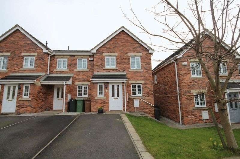 3 Bedrooms Terraced House for sale in Castle Lodge Mews, Leeds