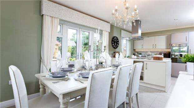4 Bedrooms Detached House for sale in Bakers Place, Woodley, Berkshire, RG5 4BG