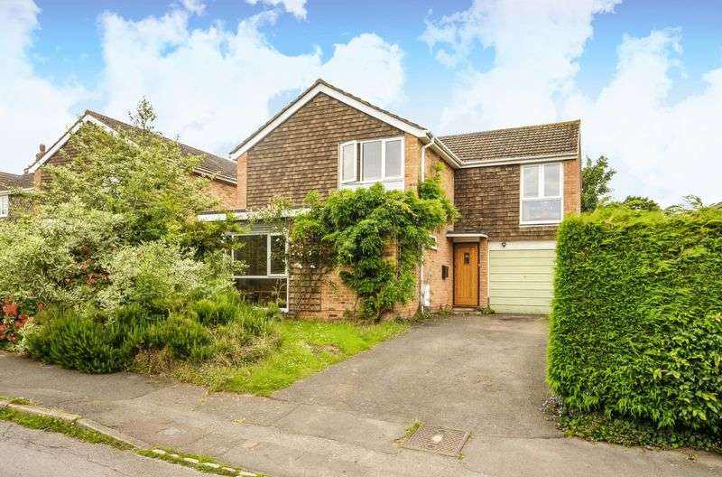 4 Bedrooms Detached House for sale in Playfield Road, Kennington