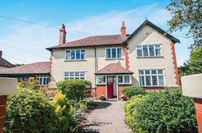 4 Bedrooms Detached House for sale in Eshe Road North, Blundellsands, Liverpool, Merseyside, L23