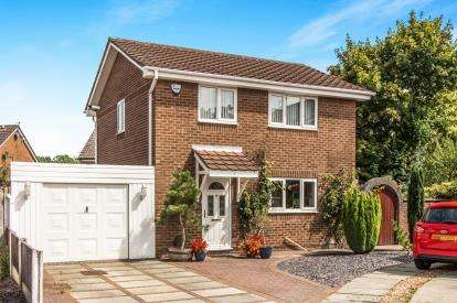 3 Bedrooms Detached House for sale in Dundee Close, Fearnhead, Warrington, Cheshire
