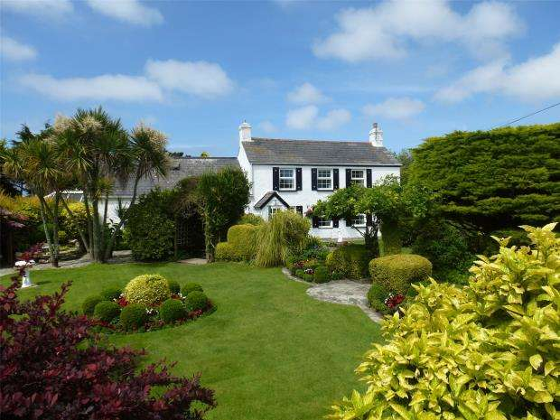 5 Bedrooms Detached House for sale in Crantock, Newquay, Cornwall