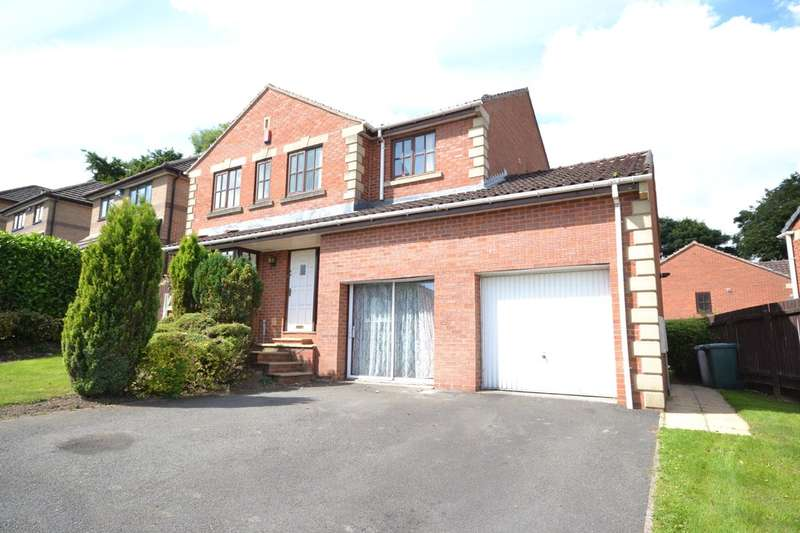 4 Bedrooms Detached House for sale in Mendip Avenue, Lindley