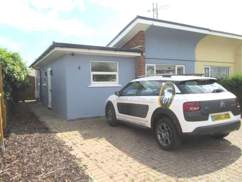 2 Bedrooms Semi Detached Bungalow for sale in Westham Drive, Beachlands