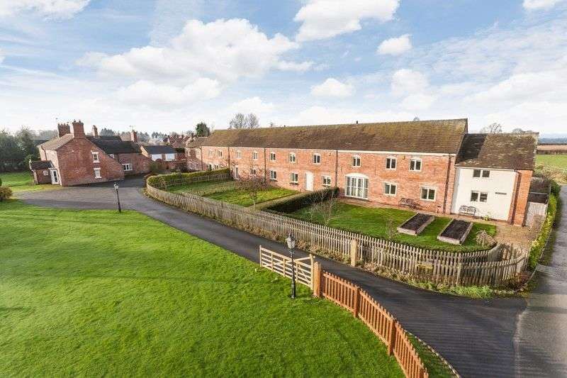 3 Bedrooms Property for sale in 4 Little Heath Barns, Cheshire Street, Audlem CW3 0HE