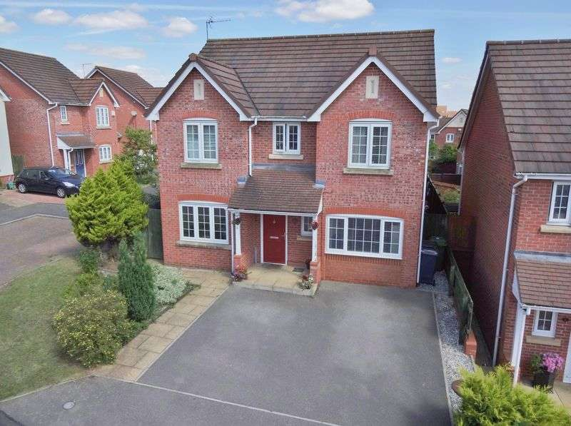 4 Bedrooms Detached House for sale in Hafod Close, Corby