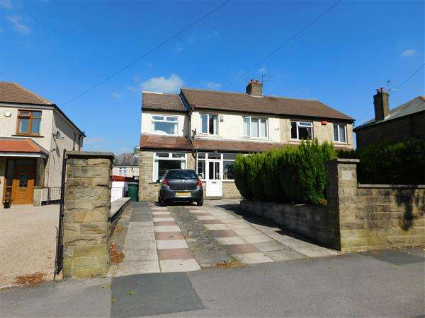 4 Bedrooms Semi Detached House for sale in Moore Avenue, Bradford