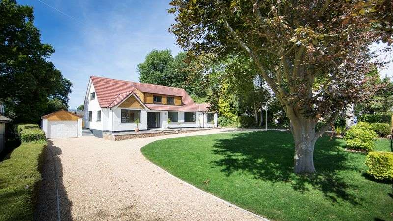 4 Bedrooms Detached House for sale in Sixty Acres Close, Failand