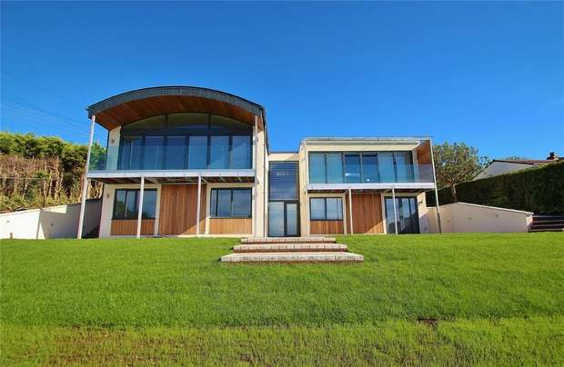 4 Bedrooms Detached House for sale in Queensway, Portishead, North Somerset