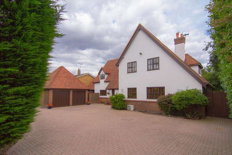 5 Bedrooms Detached House for sale in Heathwood High Road, Fobbing, SS17