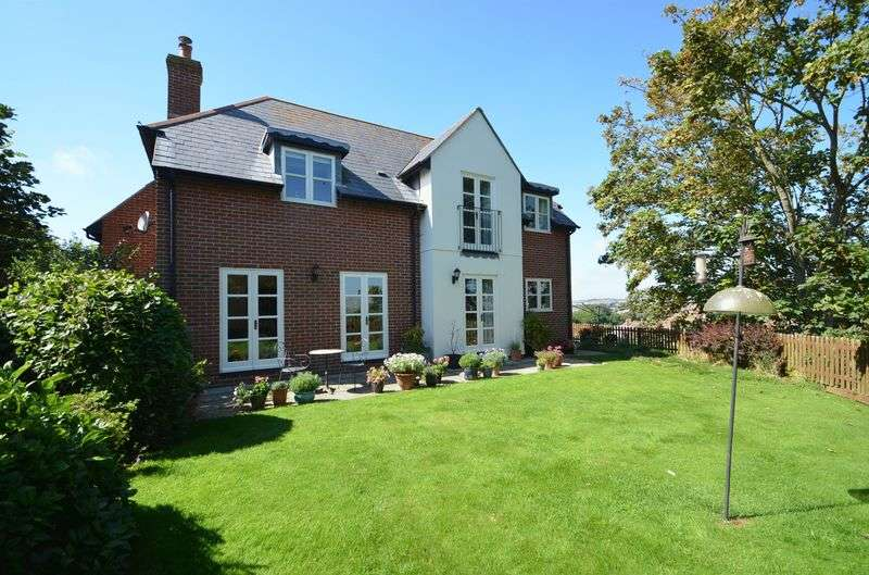 4 Bedrooms Detached House for sale in Cockles Lane. Weymouth
