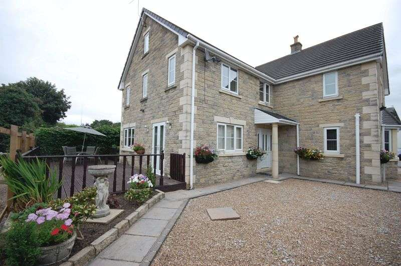 4 Bedrooms Detached House for sale in Silk Street, Glossop