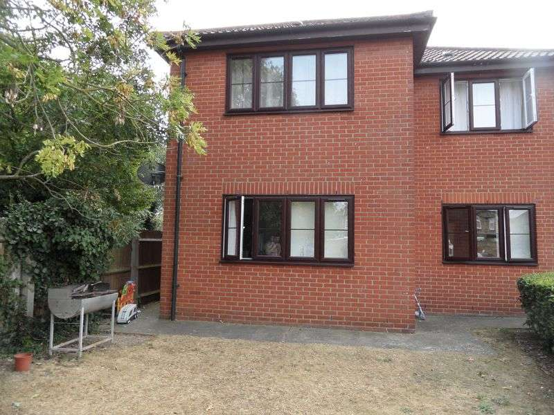 2 Bedrooms Flat for sale in North Road, Purfleet