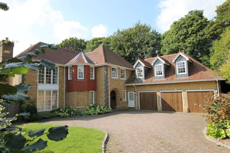 6 Bedrooms Detached House for sale in Chobham